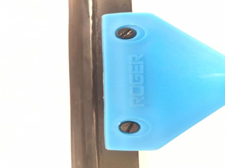 roger-glass-wipes-3830.jpeg