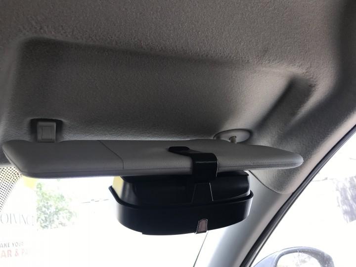 roger-gogstand-glasses-holder-for-car-0942.jpg