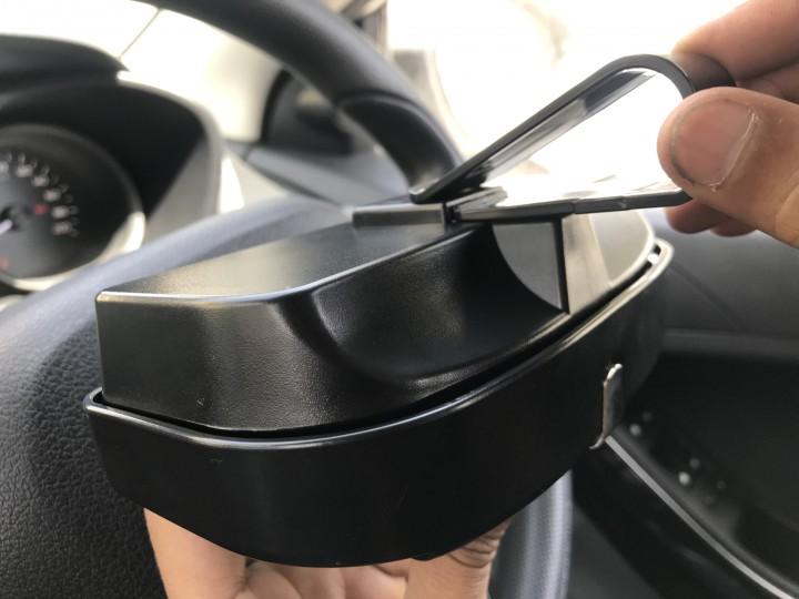 roger-gogstand-glasses-holder-for-car-4029.jpg