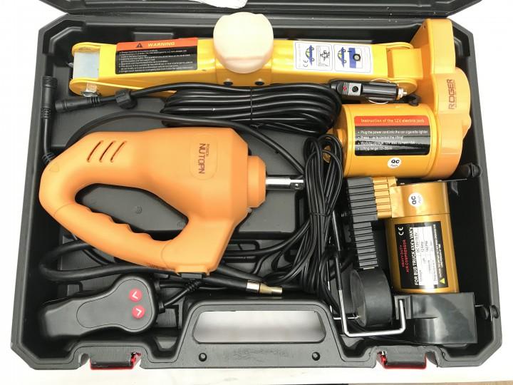 roger-jackon-kit-3830.jpg